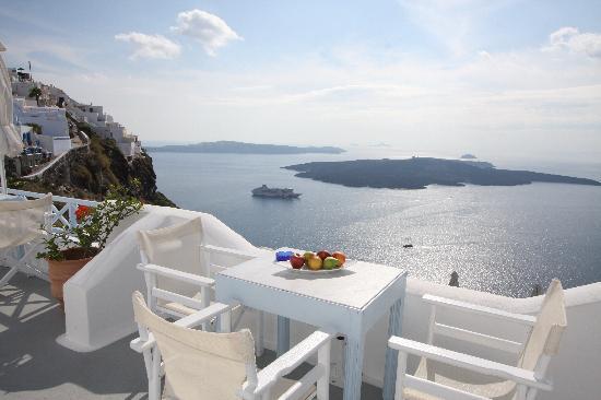 Manos Small World: balcony sea view
