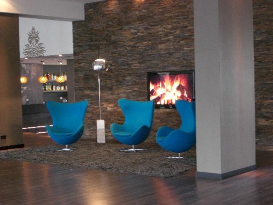 موتل وان برلين تيرجارتن: Lounge am Eingang