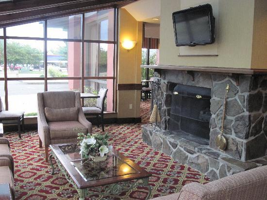 Hampton Inn West Springfield: HAMPTON INN WEST - veranda e soggiorno