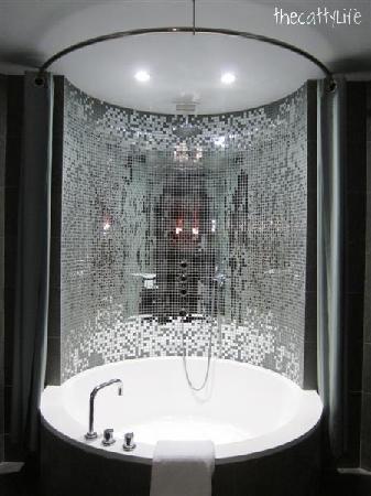 The Bathtub Picture Of Royalton New York Hotel New