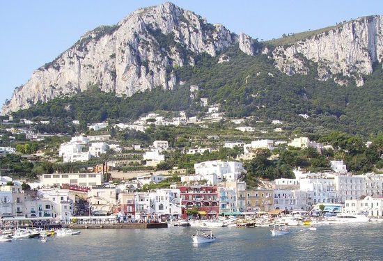 Ilha de Capri, Itália: About to land at Marina Grande