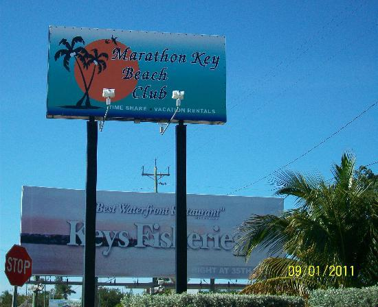 Marathon Key Beach Club : Watch for this sign on your way in