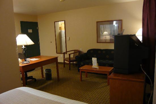 La Quinta Inn & Suites Las Vegas RedRock/Summerlin: Room from sleeping area