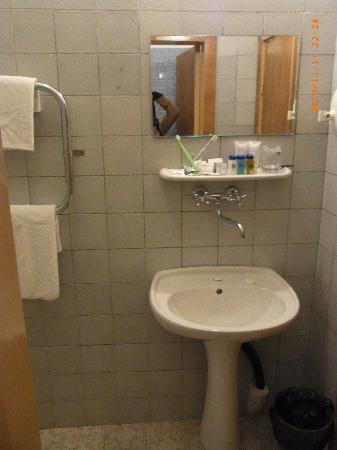 Dnipro Hotel: 部屋3