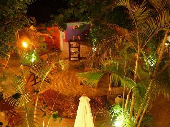 The Latin Quarter: Courtyard at night
