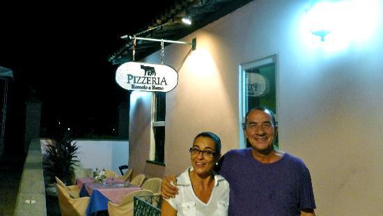 Pizzeria Romolo e Remo: Dueños