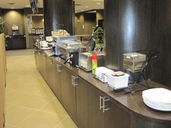 BEST WESTERN PREMIER Freeport Inn & Suites: Breakfast Area