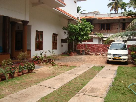Arunima Heritage Home: enterance
