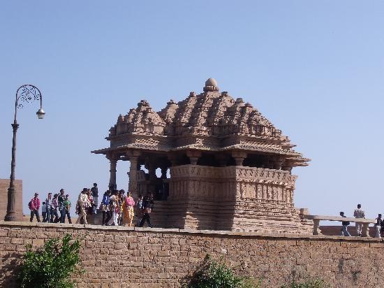 Gwalior Fort: Sahasra Bahu Temple(Sasbahu Temple)