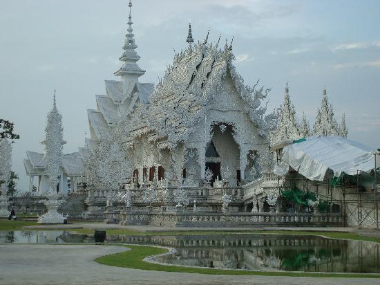 Lha's Place : white temple bezocht met Max en Lha, mooi!!!