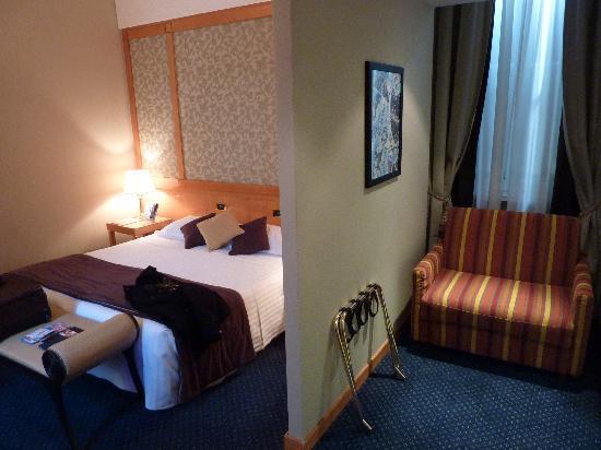 Hotel Artemide: chambre 409  sur cour calme