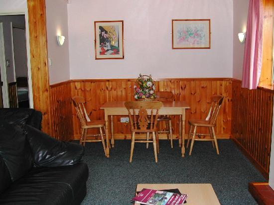 High Range Self-catering Chalets: LAIRIG GHRU - Lounge
