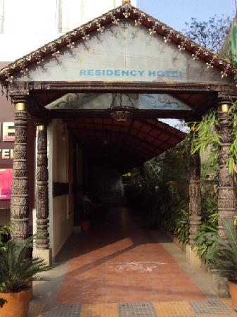 The Chakrie Residency Hotel: Main entrance of the hotel.