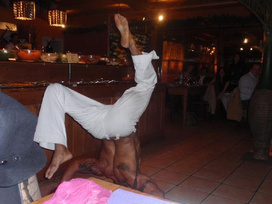 Samba Grill Churrascaria: ballerino