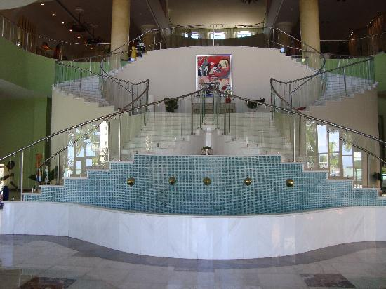 Iberostar Rose Hall Suites: Stairwell to lobby