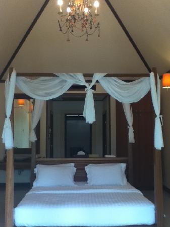 The Beach Boutique Resort: Bed in Deluxe Villa No. 12