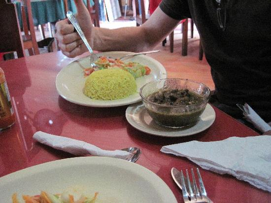 Serendib: Beef curry with yellow rice and salad