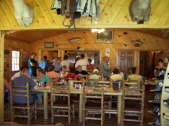 Upper Canyon Outfitters & Guest Ranch: Dinner at the lodge