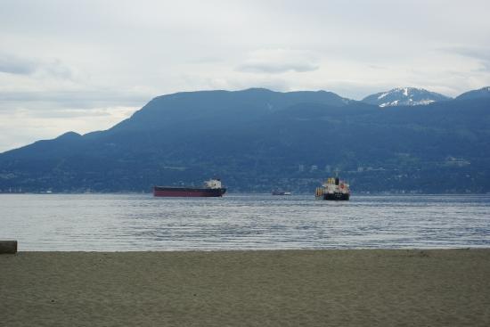 Hostelling International Vancouver Jericho Beach Hostel: Blick über den Sund