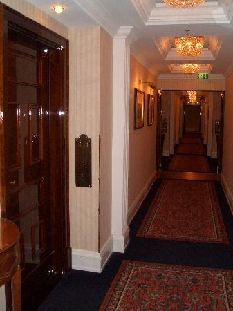 The Ritz-Carlton, Berlin: Flur