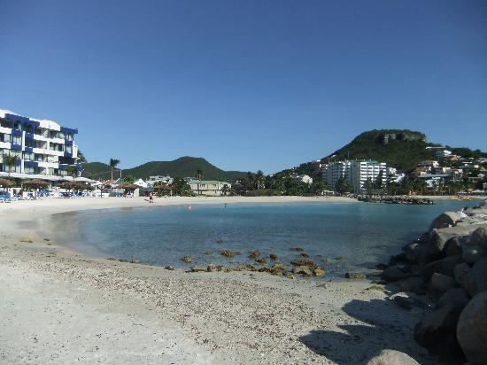 Cole Bay, St Marteen/St. Martin : beach2