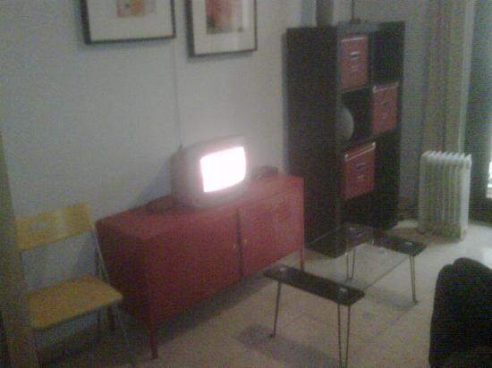 Las Ramblas Apartments I: Faulty tv