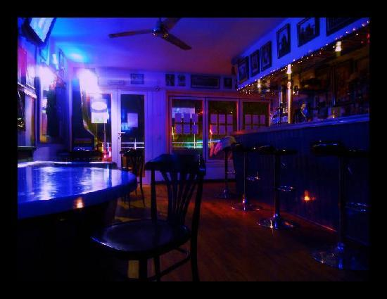Don Ron Heroes Bar : don rons Heroes Bar