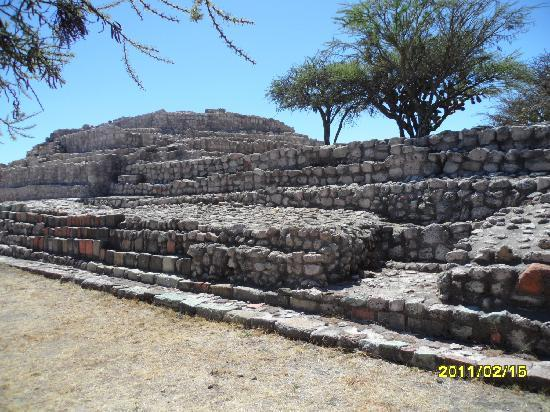 Cañada de La Virgen: Surrounding ruins