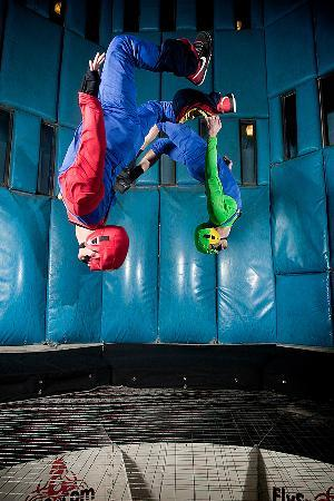 Vegas Indoor Skydiving : Mario and Luigi stop by for a flight