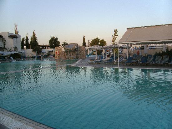 Sun Palace Hotel : Pool area