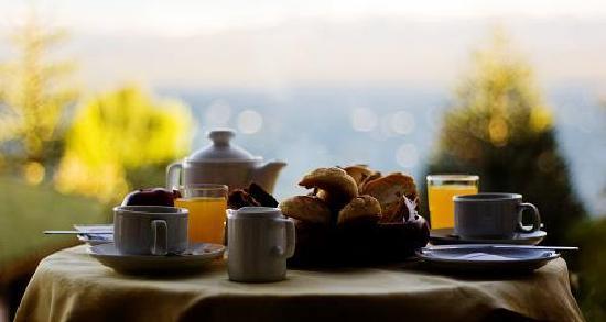 Hotel Tirol Bariloche: Desayuno