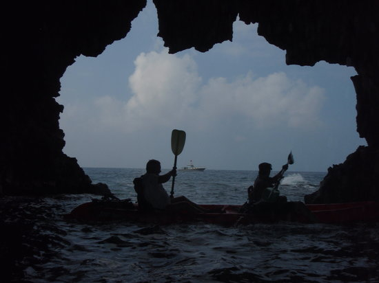 Ocean Safaris Kayak Adventures: Kurtis & Deberah