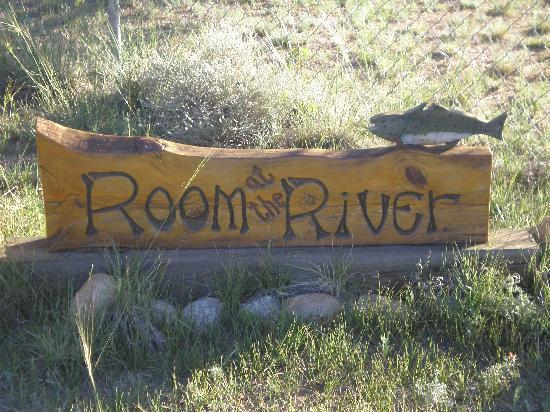 Mountain River Inn Bed & Breakfast: Welcome to Room at the River
