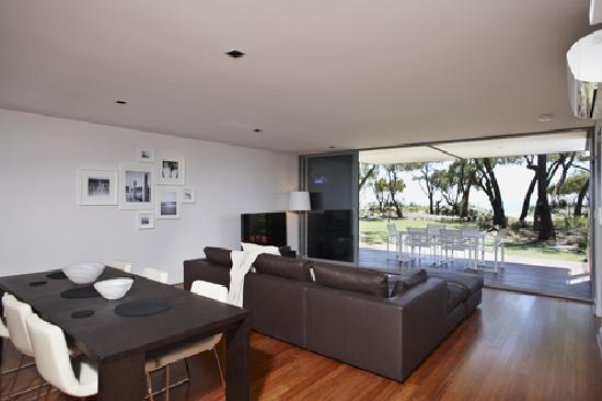 Aqua Resort Busselton Accommodation - Luxury Beachfront Hotel