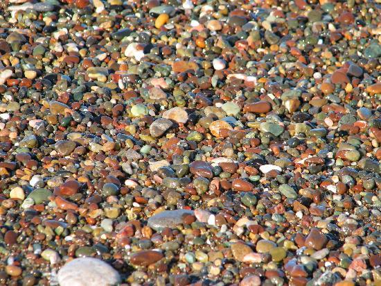 Moonstone Beach: Moonstones