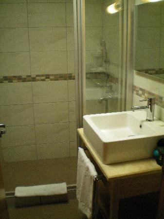 Hotel Venera: salle de bain
