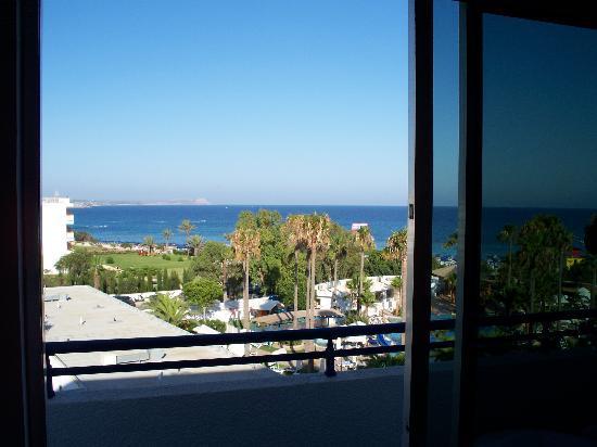 Dome Beach Hotel & Resort: veiw towards cape greco