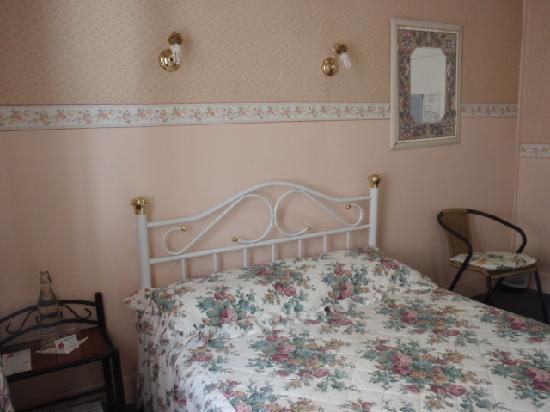 Annie's Shandon Inn: my bedroom