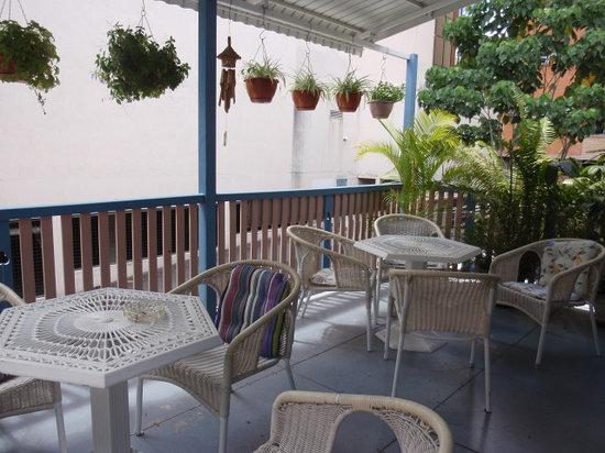 Annie's Shandon Inn: verandah