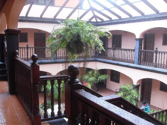 Residencial El Conde: Fab Courtyard