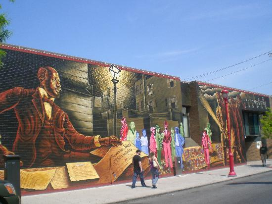 Un mural picture of mural arts program of philadelphia for Mural tour philadelphia map