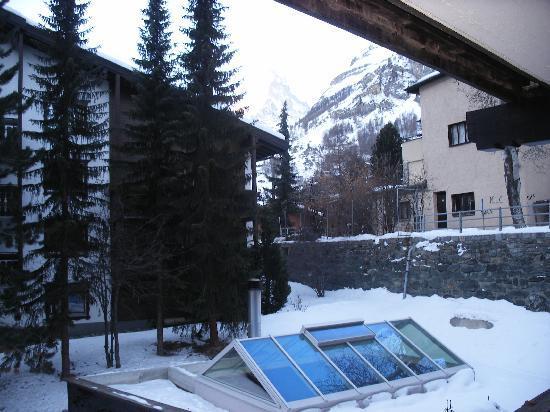 อัลเพนฮอฟ โฮเต็ล: Matterhorn from balcony