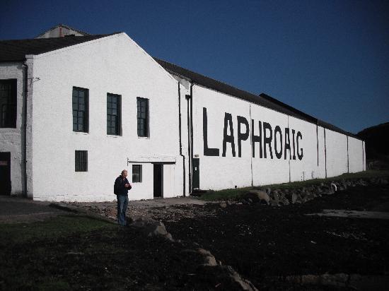 Oystercatcher Bed & Breakfast : Laphroaig distillery