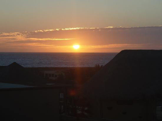CalyCanto Casitas: Sunset over the Pacific from the Casitas