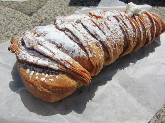 Photo of Italian Restaurant Bova's Bakery at 134 Salem St, Boston, MA 02113, United States