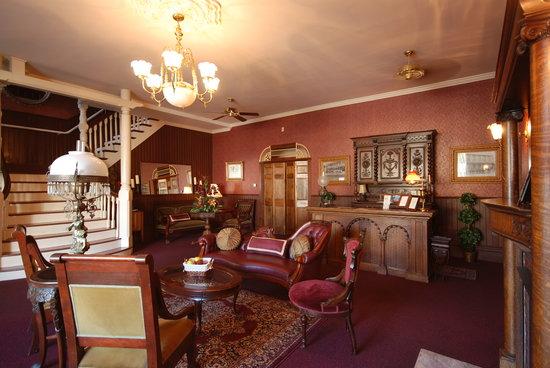 Hotel Ivanhoe: Hotel Lobby
