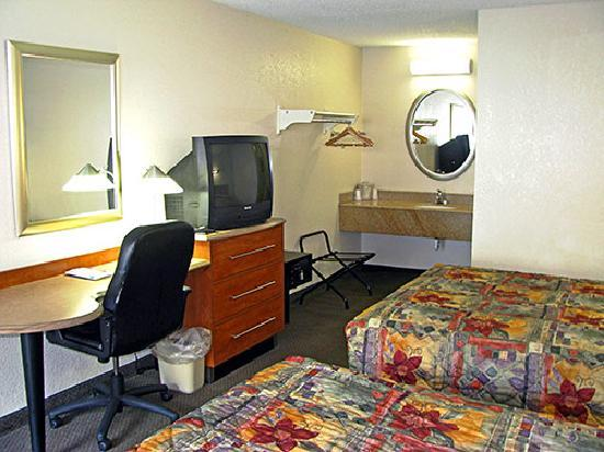 Motel 6 Dayton Englewood: Standard Double Queen