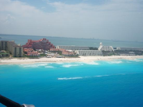 Grand Oasis Cancun: from the parasail