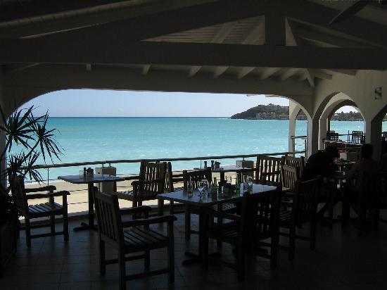 Sonesta Great Bay Beach Resort, Casino & Spa: vue du buffet