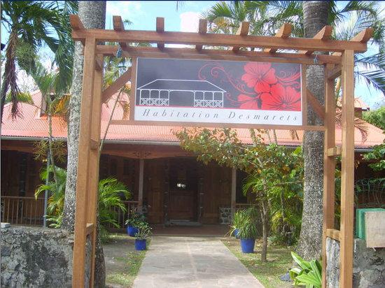 Restaurant Habitation Desmarets: L'entrée